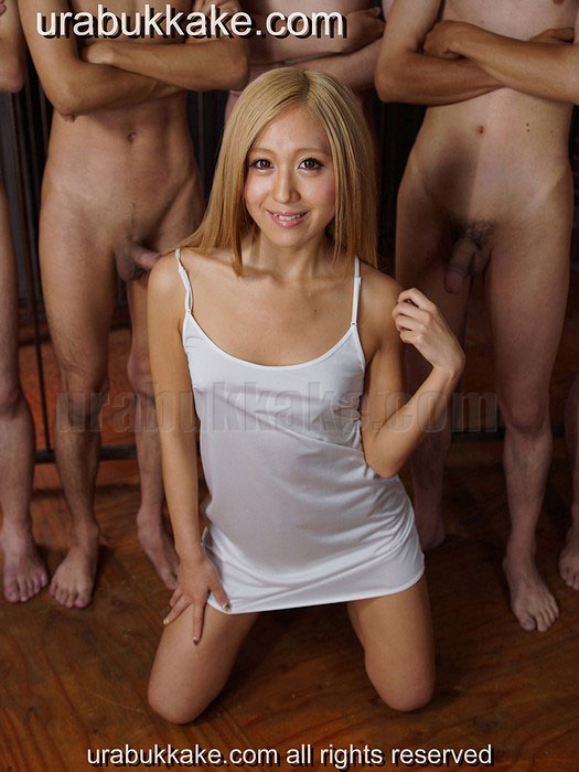 Japanese blond Mary - Bukkake model - Bukkakeura.com