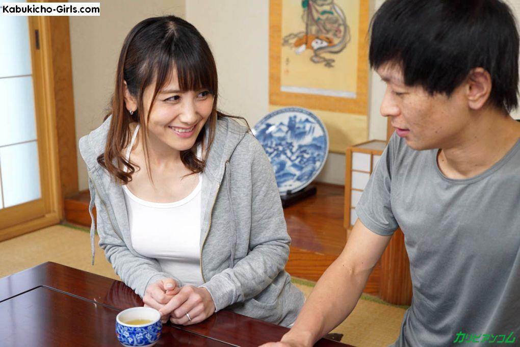 Saori Okumura's lust for her neighbor is hidden in her pretext.